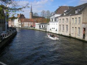 Kanál v historické čtvrti