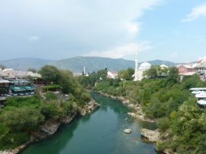 Mešita nad řekou