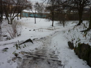 Sám doma na Ukrajině. Pohled z prvního mezistupně.